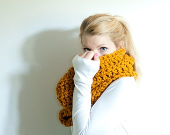 the CHEROKEE cowl - chunky cowl scarf hood circle scarf - butterscotch - slightly ribbed