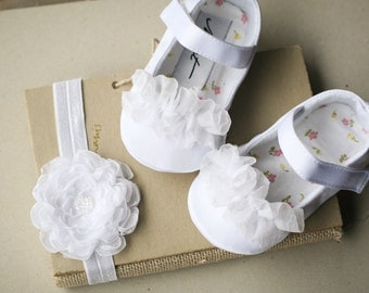 White christening shoes and headband, baby girl shoes, flower girl shoes, mary jane, baptism shoes, baby booties, flower headband, slippers