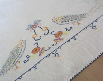 Dresser Scarf or Hand Towel Embroidered with Parakeets or Love Birds 1930s Vintage Linens