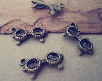 30pcs Antique bronze eyeglasses pendant charm 9mmx21mm