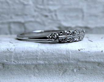 Classic Vintage 18K White Gold Diamond Wedding Band - 0.28ct.