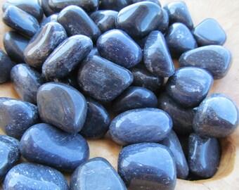 Blue Quartz Tumbled Stone T15
