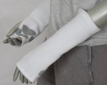 White Glovelets