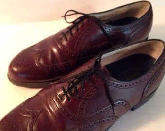 Vintage Florsheim Men's Wing Tip Leather Shoes Size 8