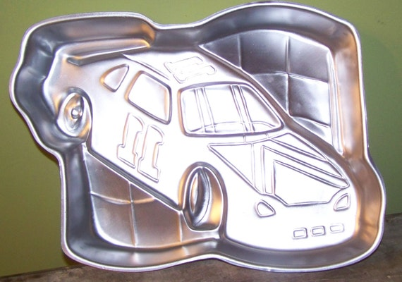 car cake pan wilton race car cake pan 1997 by secretgardenfarms on etsy 2443