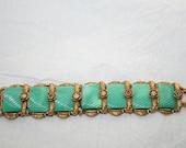 Bracelet Green Jade Look Vintage Plastic Bracelet