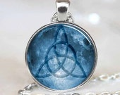 Triquetra pendant, Triquetra necklace, Triquetra jewelry, Triquetra Charm, Silver (PD0226)