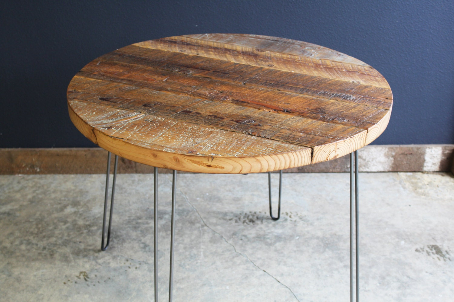 42 Round Antique Barnwood Coffee Table With Hairpin Legs