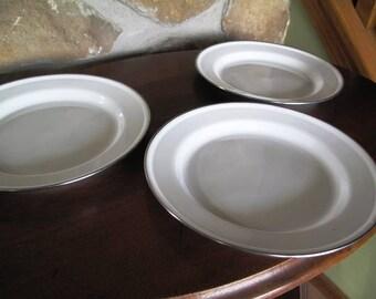 3 White Enamel Plates, Metal rim, Matching, 9.75 inch diameter