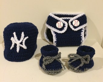 Newborn Sports Team 3 piece set. Hat, diaper cover and booties.