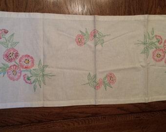 Vintage White Table Runner with Pink Flower Desgin
