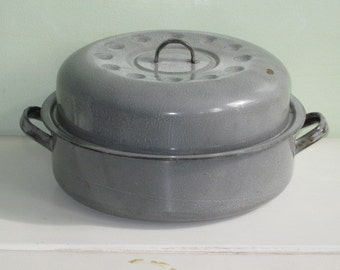 Vintage Gray Graniteware Enamelware Cooking Pot with Lid