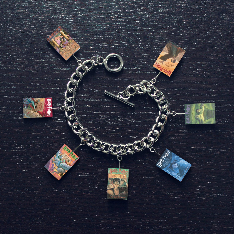 Toggle Charm Bracelet: Harry Potter Book Toggle Charm Bracelet
