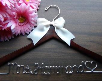 Personalized Keepsake Hanger, Custom Made Bridal Hangers,Bridal Shower Gift idea,Wedding Hangers with Names, Wedding Photo Props