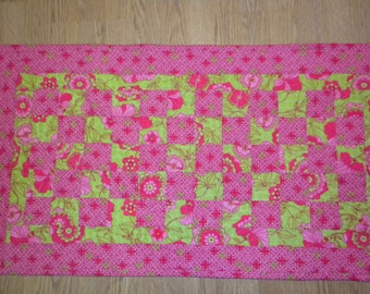 Hot Pink and lime Table runner