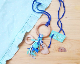 NEW Sweet dream catcher - nursing necklace with juniper wood ring teether and mint green jeans blue juniper wood button rattle by kangarusha