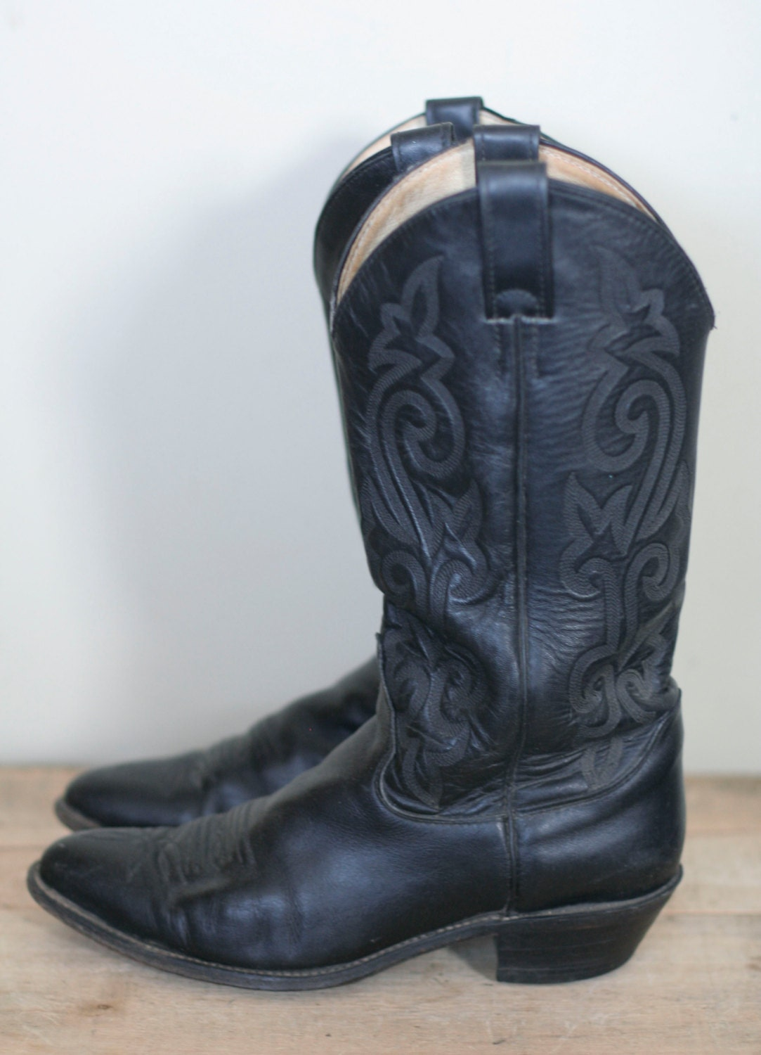 vintage s black leather cowboy boots size 8 by justin