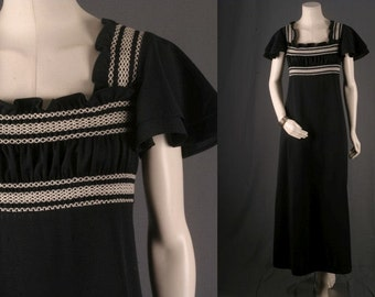 Vintage Maxi dress black white emrboidered bell sleeves seventies 70s women size S small