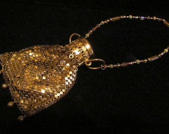 Vintage 1920s Purse Gold Mesh Purse Whiting and Davis Change Purse Gate Top Purse Beggars Bag Unused Excellent Condition