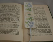 Embroidered Daisy Bookmark - re-stitched from vintage table linen by Lynwoodcrafts