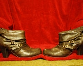 Brown leather ankle boots!!