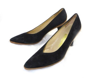Black and tan vintage Salvatore Ferragamo contrast high heel pumps - suede leather 8 B shoes