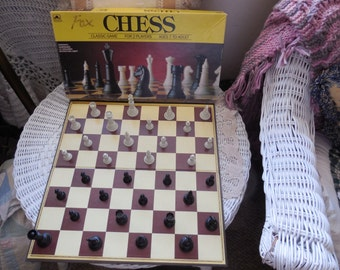 Chess Set Classic Game Western Company 1989, Chess Set, Vintage Board Games, Board Games, Vintage Toys, Toys,