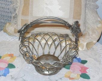 Basket Silver, Basket Godinger, Sm Silver Basket, Basket, Fruit Basket, Kitchen Decor, Country Decor, Farm House Decor, Vintage Home Decor *