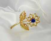 Flower Brooch Art Deco Gold Blue Rhinestone Center