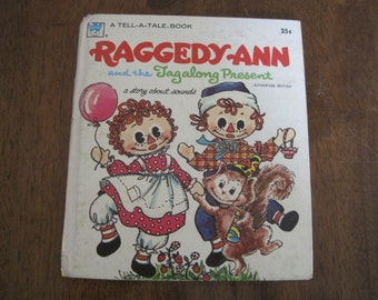 Vintage Raggedy Ann and the Tagalong Present book