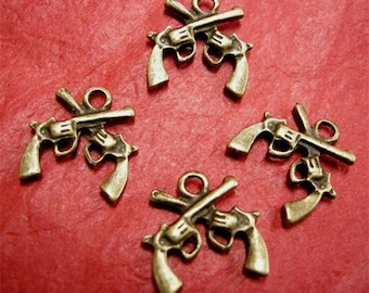6pc antique bronze metal gun pendant-3791