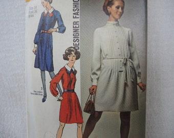 vintage 1970s Simplicity sewing pattern 8957 designer fashion dress  mod