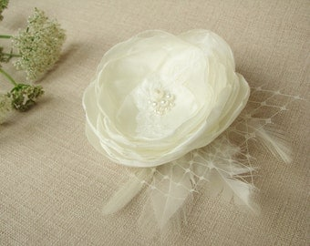 Bridal flower hair clip Ivory Wedding hair piece Head piece Fascinator with feathers