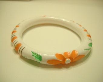 Vintage White Bangle Bracelet, Indented Flowers (8719)