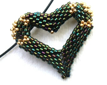 "Modern Heart Necklace, ""I love you"" Jewelry, Beaded Heart Jewelry, Iridescent Heart Pendant, Beadwoven Heart, Peyote Heart - Etsy UK Seller"