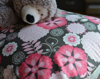 Pink and brown floral pet bed