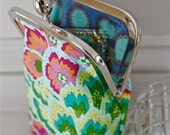 Fancy coin purse/ pouch/ phone case in happy colors. Made of designer fabric from Amy Butler
