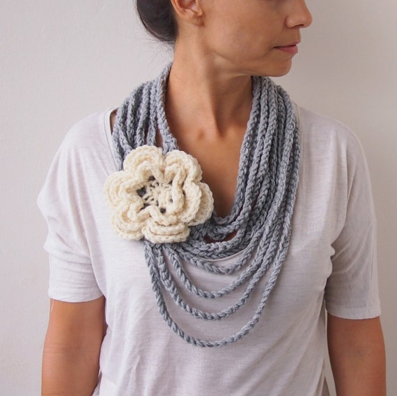 Crochet pattern, Loop infinity circle scarf, oversized flower chain chunky cowl, statement necklace, DIY photo tutorial