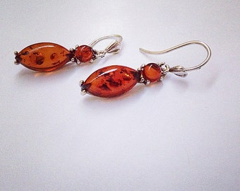 Dangling Amber and Sterling Silver Earring