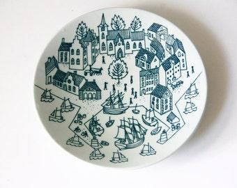 Danish Noymolle Hoyrup Denmark Art Faience Plate Dish Green White