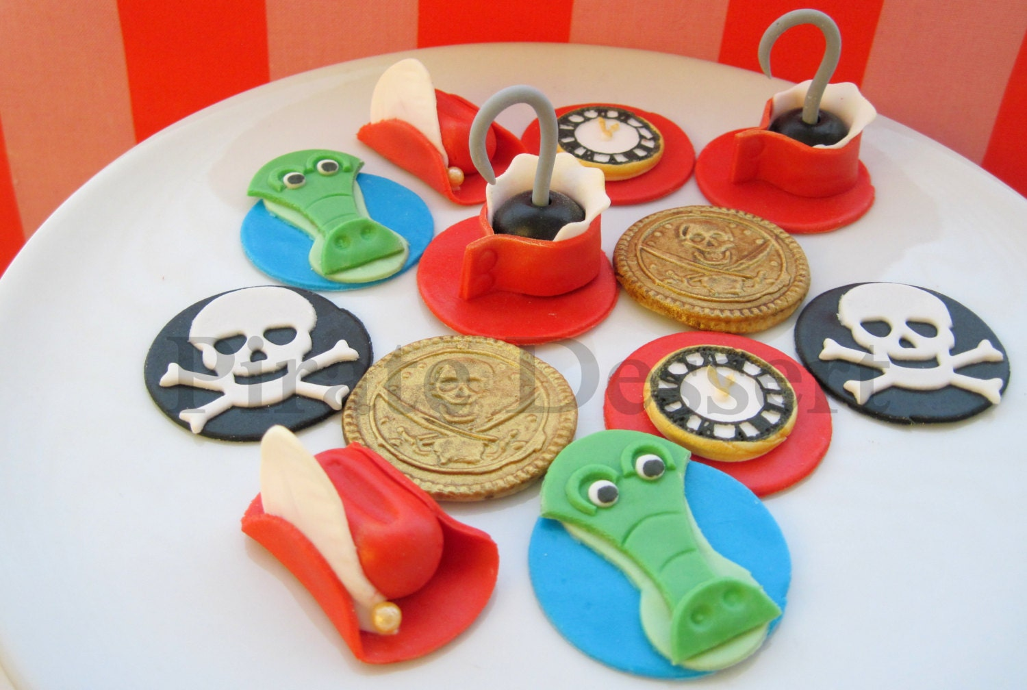 Edible CAPTAIN HOOK Cupcake toppers Fondant cake decorations