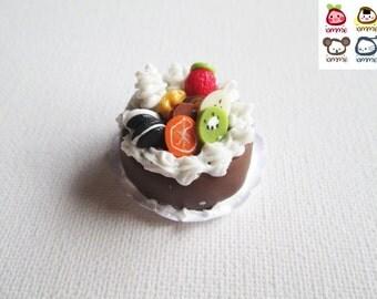 Miniature Cake, chocolate cake, clay cake, food figurine, miniature clay sweet, polymer clay food, mini, dessert, dollhouse, tiny, scale