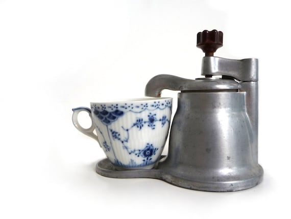 Italian Coffee Maker Aluminum : Vintage italian aluminum stovetop coffee maker OMG