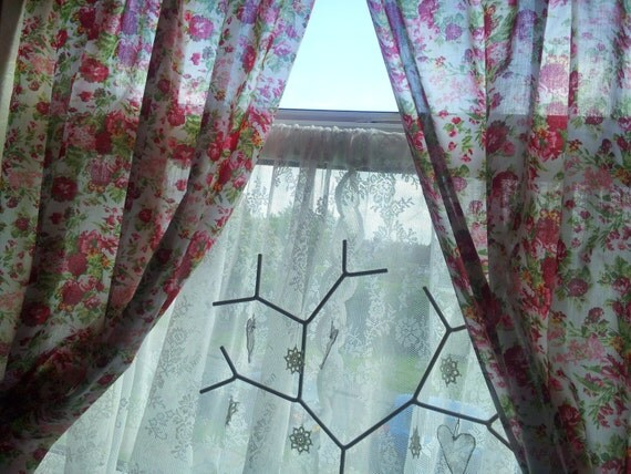 floral curtains window treatments window curtains shabby. Black Bedroom Furniture Sets. Home Design Ideas