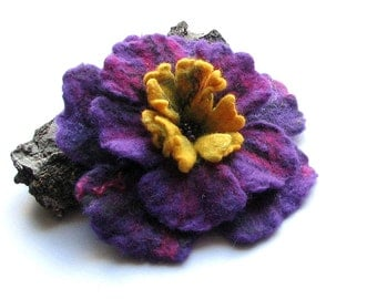 Flower Brooch - mothersday gift  Felt Flower -  wet felt brooch - PURPLE Flower -  Flower Pin -  Gift For Her - Gifts Ideas - Felt Brooch