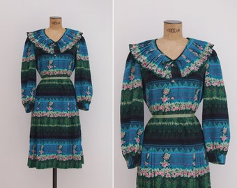 Les Tuileries Dress - Vintage 1960s Dress - Novelty Print 60s Dress Size Small