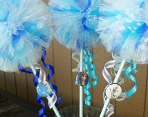 8 Frozen wands with Frozen character embellishment