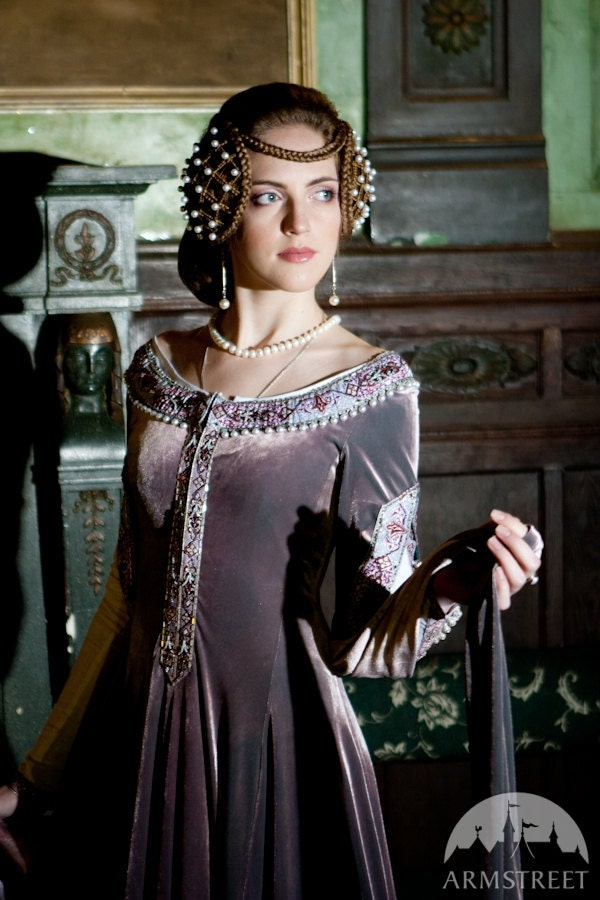 Popular items for renaissance dress on Etsy