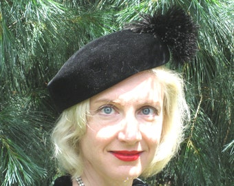 1940s black fur velour tam with feather