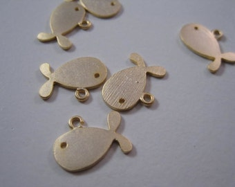 Whale pendant, gold whale, gold fish pendant, Charm, 2pc, E-005 (E-016)